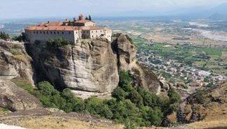 המנזרים התלויים ביוון