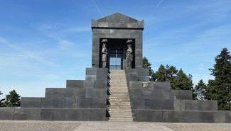 havala קבר החייל האלמוני